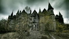 Freaky Houses On Pinterest Castles Architecture And Beautiful Homes