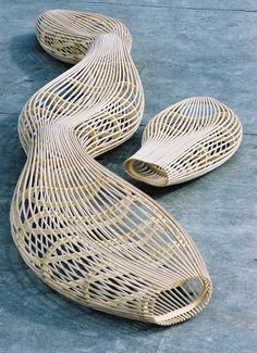 David Trubridge - Design Home Urban Furniture, Rattan Furniture, Street Furniture, Funky Furniture, Furniture Design, Parametrisches Design, Wood Design, Parametric Design, Organic Shapes