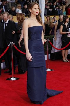 Hollywood Mixes It Up on SAG Awards Red Jennifer Lawrence in Dior Haute Coutoure