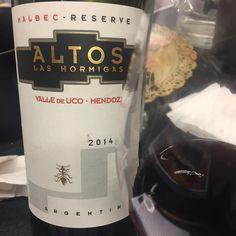 A casi 7 años de la primer Velada Etilica el primer vino que tomamos @altoslashormigas Reserve Malbec 2015 #ArgWBconALH @violletalice
