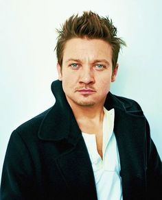 Jeremy Renner watching me write for hours . could be fun American Hustle, American Actors, Jeremy Renner, The Avengers, Hawkeye, Hot Actors, Actors & Actresses, Marvel Comics, Avengers