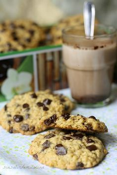 SIN SALIR DE MI COCINA: GALLETAS DE AVENA CON CHOCOLATE Healthy Desserts, Delicious Desserts, Yummy Food, Yummy Treats, Cookie Recipes, Dessert Recipes, Oatmeal Chocolate Chip Cookies, Cupcake Cookies, Cooking Time