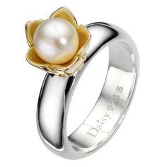 Daisy Star Wars cultured freshwater pearl ring Size N - Ernest Jones