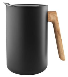 Buy the Insulated jug Nordic Kitchen from Eva Solo, on Made in Design - 48 to 72 hours delivery. Nordic Kitchen, New Nordic, Marble Wood, Nordic Design, Good Grips, Wood Design, Solid Oak, Kitchenware, Natural Wood