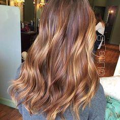 15 Fashionable Balayage Hair Looks: Sun-Kissed Camel Balayage Hair Color … Light Hair, Dark Hair, Red Balayage Hair, Stuart Weitzman, Bold Hair Color, Hair Color Techniques, Hair Looks, New Hair, Curls