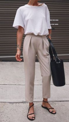 secrets to minimalist fashion summer casual minimal chic simple 30 fabulous boho women chic style outfit Mode Outfits, Fashion Outfits, Fashion Trends, Womens Fashion, Trendy Fashion, Fashion Ideas, Ladies Fashion, Fashion Clothes, Feminine Fashion