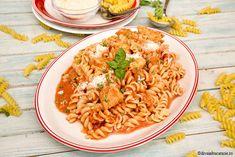 PASTE CU PIEPT DE PUI SI SOS DE CEAPA | Diva in bucatarie Pasta, Ethnic Recipes, Food, Essen, Meals, Yemek, Eten, Pasta Recipes, Pasta Dishes