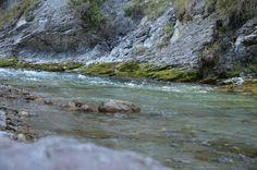 Kraft tanken am #Fluss in der zauberhaften #Landschaft und #Natur in #Bayern