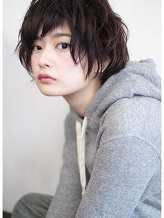 [people] アンニュイツヤ感ショートボブ - 24時間いつでもWEB予約OK!ヘアスタイル10万点以上掲載!お気に入りの髪型、人気のヘアスタイルを探すならKirei Style[キレイスタイル]で。