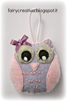 Fairy Creativa - portachiavi in feltro Diy Crafts And Hobbies, Crafts To Make, Owl Crafts, Animal Crafts, Felt Christmas Ornaments, Handmade Ornaments, Owl Sewing, Sewing Crafts, Felt Keychain