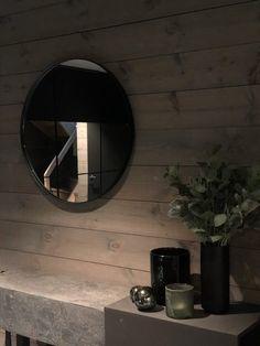 Lun hytte i Sogndal - Vyrk Mirror, Furniture, Home Decor, Homemade Home Decor, Mirrors, Home Furnishings, Interior Design, Home Interiors, Decoration Home