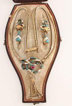 Victorian 18k Gold Enamel Emerald Ruby Earrings Necklace w/Original Box
