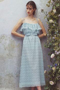 Luisa Beccaria Resort 2018 Fashion Show Collection: See the complete Luisa Beccaria Resort 2018 collection. Look 1 Luisa Beccaria, Fashion 2018, Runway Fashion, Fashion Dresses, Womens Fashion, Couture Fashion, Fashion Clothes, Emo Fashion, Fashion Trends