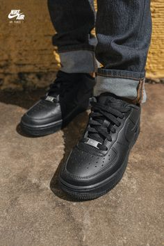 Sneakers – High Fashion For Men Jordan Shoes Girls, Girls Shoes, Cute Sneakers, Shoes Sneakers, Sneakers Adidas, Black Sneakers, Nike Shoes Air Force, Aesthetic Shoes, Fresh Shoes