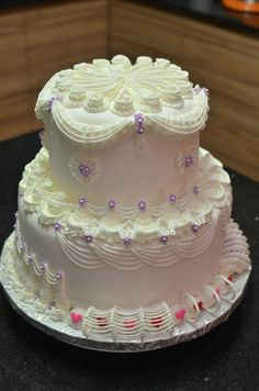 Made by SugarlyNice Cakes in a Lambeth class Royal Icing Cakes, Cake Icing, Cupcake Cakes, Cupcakes, Big Cakes, Just Cakes, Cool Wedding Cakes, Wedding Cake Designs, Beautiful Cakes