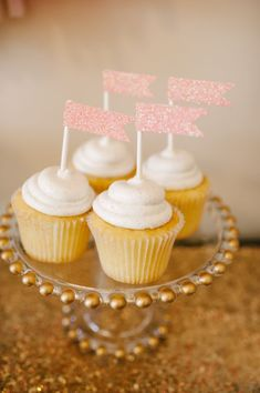 Absolutely obsessed with this Kate Spade inspired soiree! Glitter, gold, pink.