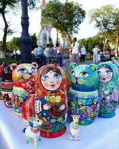 Matryoshka dolls painted by Evgeniya Namakonova (@namevgen)