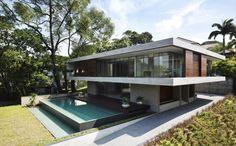 Některé domy mohou působit obyčejně. Když ale nahlédnete dovnitř, vidíte exkluzivní a dokonalý dům, ve kterém je radost žít.