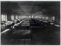 Foto scattata nel 1909 relativa ai dormitori dove alloggiavano operai all' interno Tessitura F.lli Schwarzenbach