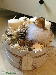 Christmas Advent Wreath, Outdoor Christmas Decorations, Christmas Centerpieces, Winter Christmas, Christmas Crafts, Advent Candles, Decoration Table, Christmas Inspiration, Handmade Christmas