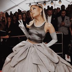sabs ariana's second look! Buying Gently Used Baby Clothing Article Body: Remember that adorable out Ariana Grande Drawings, Ariana Grande Photos, Ariana Grande Wallpaper, Justin Bieber, Justin Timberlake, Grandes Photos, Bae, Dangerous Woman, Cultura Pop