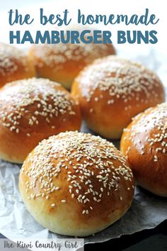 Homemade Hamburger Buns Homemade Hamburger Buns – a simple recipe for the best hamburger buns you will ever eat – soft, pillowy and perfect for burgers! This easy recipe will make burger night so much more tasty! Best Burger Buns, Homemade Burger Buns, Homemade Hamburgers, Mini Burger Buns, Homemade Sandwich, Homemade Breads, Burger Bread, Tasty Burger, Burger Night