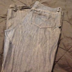Ladies straight leg denim Old Navy straight leg jeans fair condition minor rip Old Navy Jeans Skinny