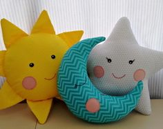 Sun, moon and star pillow trio – – baby pillow star Cute Pillows, Baby Pillows, Kids Pillows, Sewing Toys, Sewing Crafts, Moon Pillow, Baby Sewing Projects, Felt Baby, Fabric Toys