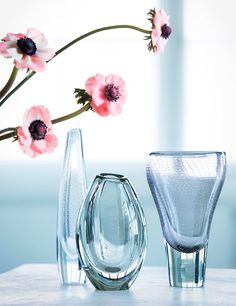 Gunnel Nyman's vases from and Styling Irene Wichmann, photo Kristiina Hemminki, Fotonokka.
