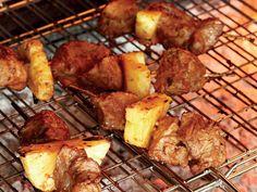 Uit die Huisgenoot kombuis: Vark-en-pynappel-kebabs