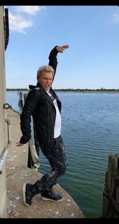Billy Idol Billy Idol, Joan Jett, David Bowie, Music Artists, Potato, Beautiful People, Babe, British, Punk