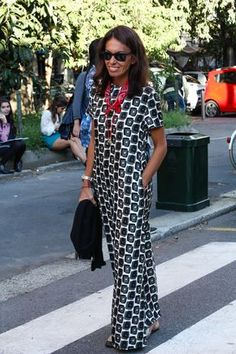 Viviana Volpicella wearing Ray-Ban Wayfarer www. African Print Dresses, African Fashion Dresses, African Dress, African Attire, African Wear, African Women, Only Fashion, Teen Fashion, Womens Fashion