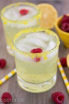 Lemon Drop Fizz - a sparkling lemon drop martini!