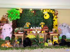 Muo inglês festa Safari Alice, Candy, Safari Party, Diy Creative Ideas, Dreams, Creativity, Walls, Sweets, Candy Bars