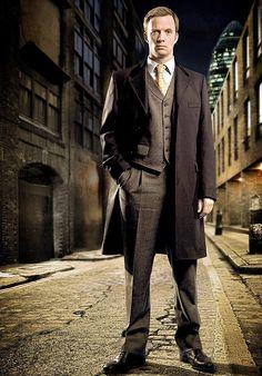 "Spooked: Rupert Penry-Jones as DI Chandler in Whitechapel wearing Ede & Ravenscroft 3pce ""vintage flannel""..a 14oz sharkskin milled worsted."