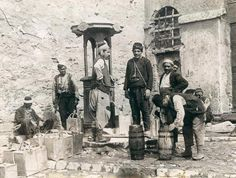 Hamidiye çeşme si - Your Tutorial and Ideas Cultural Architecture, Turkish Architecture, Colorful Pictures, Old Pictures, Old Photos, East Africa, North Africa, Lourdes, Istanbul Turkey