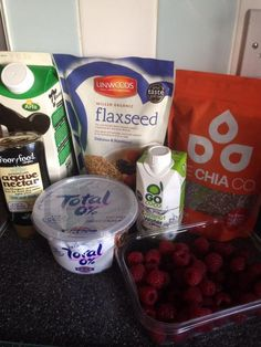 One of our guest bloggers, Nicola, prepares her meals and smoothie for the week ahead. #GoCoco #CoconutWater #Health #Nutrition #Natural #Hydration #Rehydrate #Smoothie #Shake