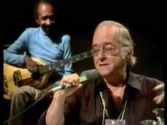 O poeta Vinicius de Moraes canta