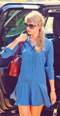taylor swift candids - I totally think I could make this dress!