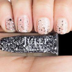 Pretty silver sparkles  http://rstyle.me/n/dui5xnyg6