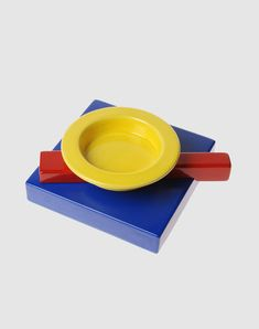 """MEMPHIS MILANO Collection - 1985 The Squash ashtray is one of the smallest objects in the Memphis Milano collection. The overlapping of shapes and colors are distinctive for their """"Memphis"""" philosophy. The bottom of the ashtray features the name of the designer and the collection."""