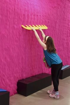 Pom Pom Love at The Children's Museum of the Arts with Kawai Exhibition Booth, Museum Exhibition, Misaki Kawai, Interactive Walls, Interactive Design, Balloon Arch Diy, Resident Assistant, Environmental Design, Booth Design