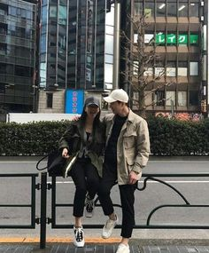 Ulzzang Korea, Korean Ulzzang, Korean Girl, Friend Pictures, Couple Pictures, Korean Couple Photoshoot, Parejas Goals Tumblr, Cute Couple Outfits, Crying Girl