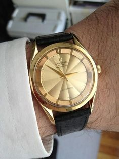 446b416f6031 Universal Geneve 18K Deluxe Polerouter  Polerouter  Womw  Menswear   Watches…  beardgentlemen