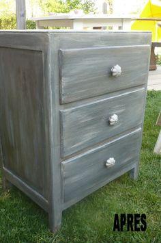Repeindre un meuble recherche google meuble - Peinture effet vieilli gris ...