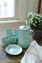 Enamelware Petite Serving Set in Robin's Egg Blue- I love everything on this site!