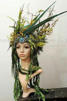 27 ideas for flowers crown wedding inspiration Style Africain, Flower Crown Wedding, Wedding Flowers, Woodland Fairy, Fairy Wings, Headgear, Larp, Headdress, Costume Design