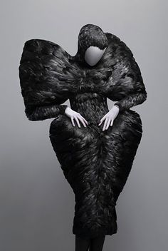 Alexander McQueen at Costume Institue reminds me of the dress designed by Colleens Atwood for Snow White and the Huntsman..