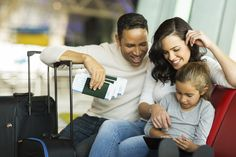 Looking for the cheapest airfare this holiday season? Here are the 10 best and worst travel booking sites. Overseas Travel, Travel Abroad, Cheapest Airline Tickets, Cheapest Airfare, Air Tickets, Holiday Flights, Deal Sites, Travel Booking Sites, Travel Snacks