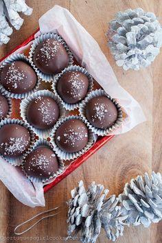 Dark Chocolate Salted Caramel Truffles by portuguesegirlcooks.com